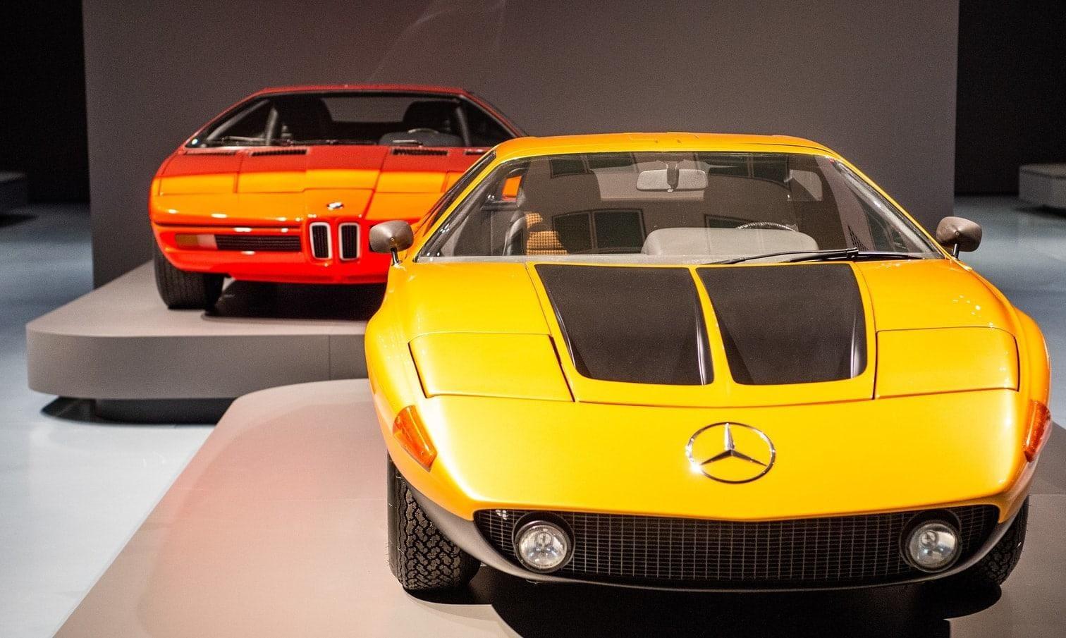 <p>Nach Kunstpalast-Angaben ist die Ausstellung die erste Überblicksschau zu Automobilen in einem Kunstmuseum in Europa.</p> Foto: Christophe Gateau / dpa