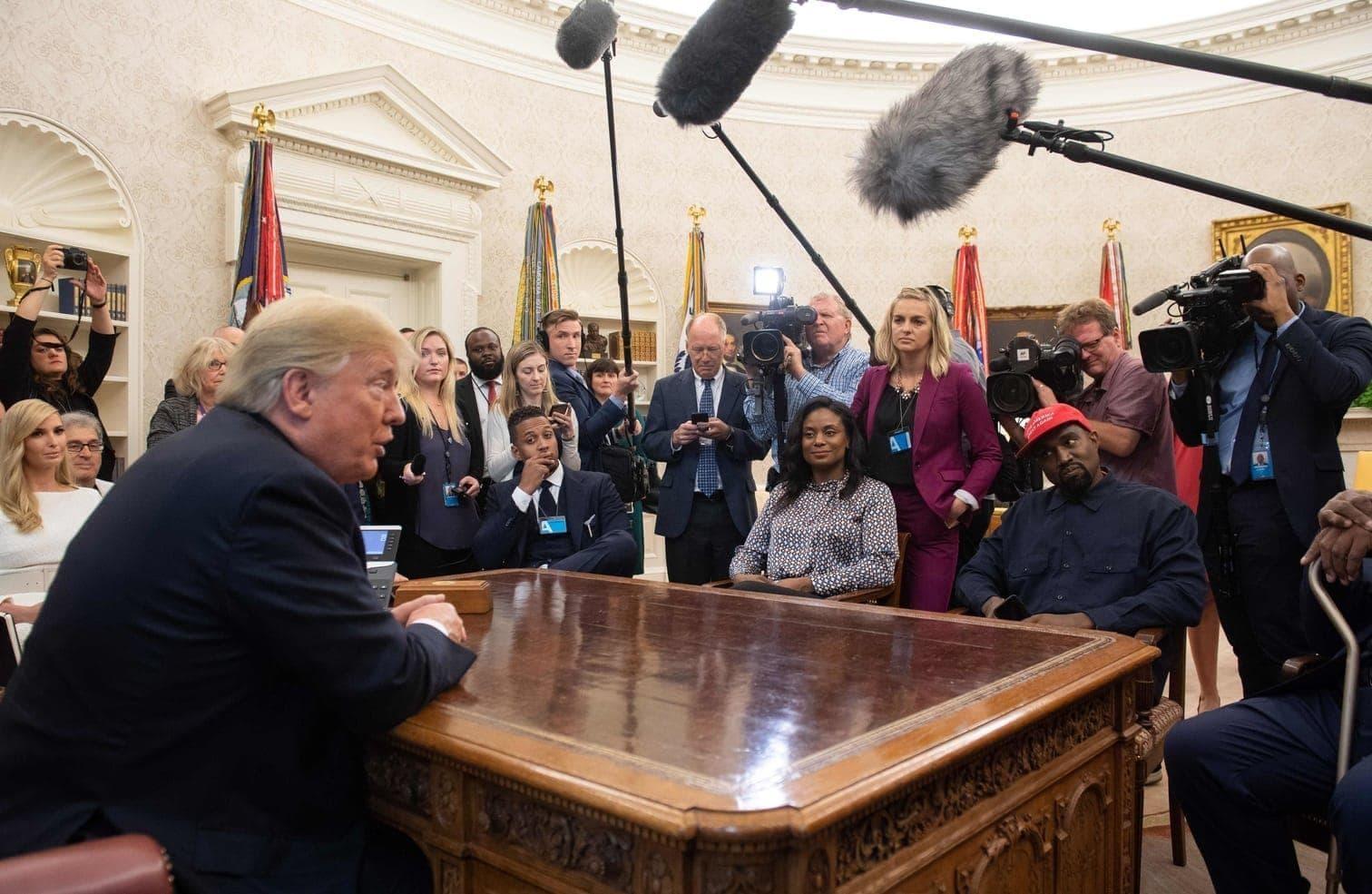 politische Initiativen von Kanye West - und vor allem um seine Unterstützung für Donald Trump.</p> Foto: AFP/Saul Loeb