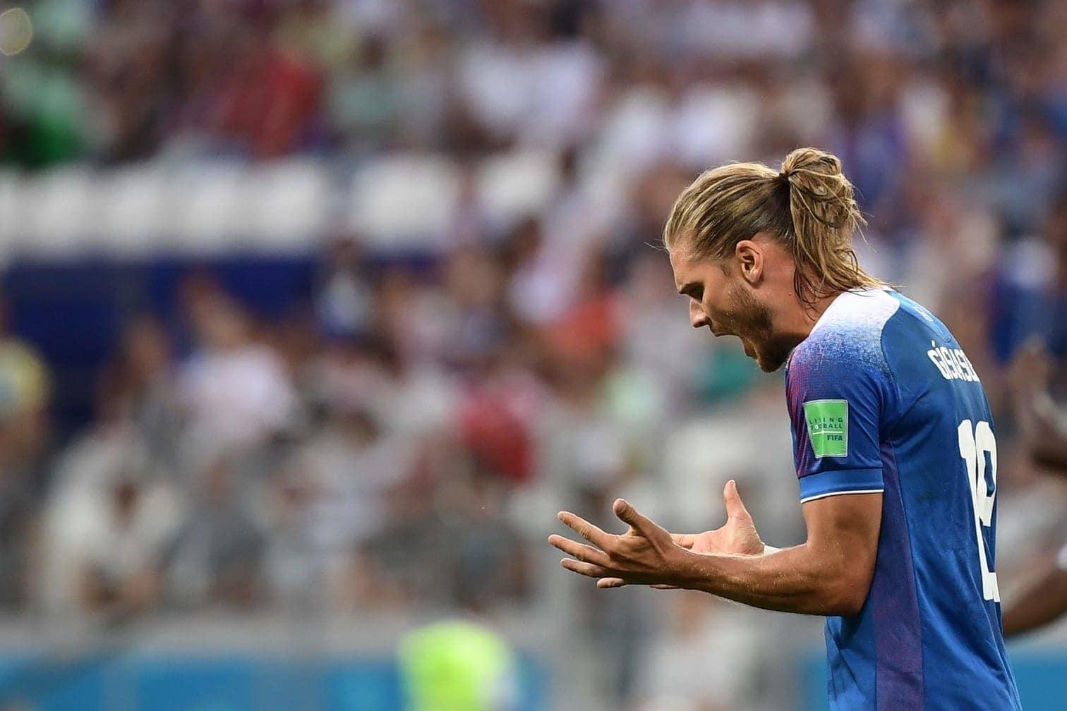 <p>Sieben Tage nach seinem WM-Debüt hat Islands Nationalspieler R&uacute;rik G&iacute;slason bei Instagram am Samstagabend die Marke von einer Million Follower geknackt.</p> Foto: AFP