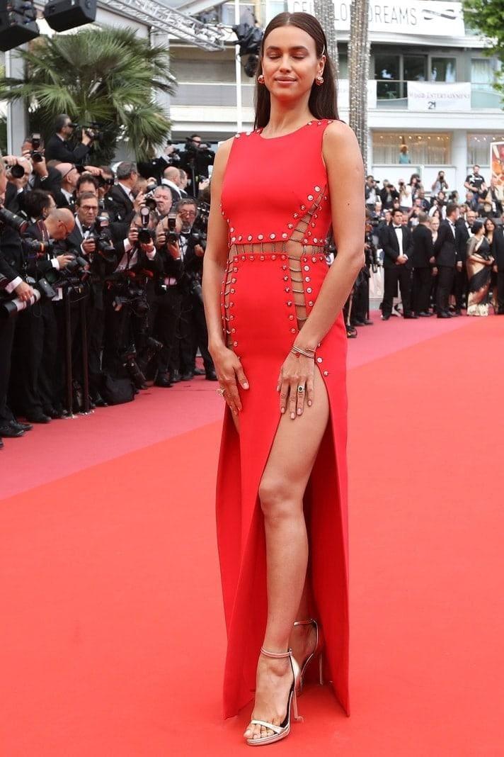 info for 70bc3 7c4b9 Ohne Unterwäsche in Cannes: Irina Shayk legt Wow-Auftritt hin