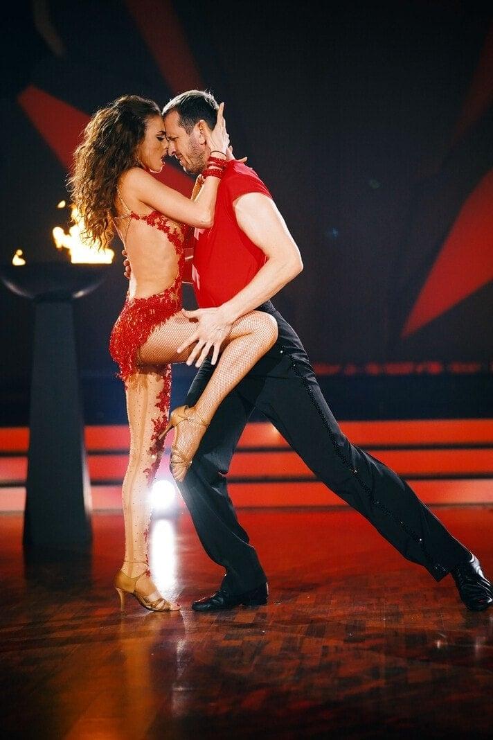 Beim Jurytanz präsentierten sie einen Tango. Foto: TVNOW / Stefan Gregorowius