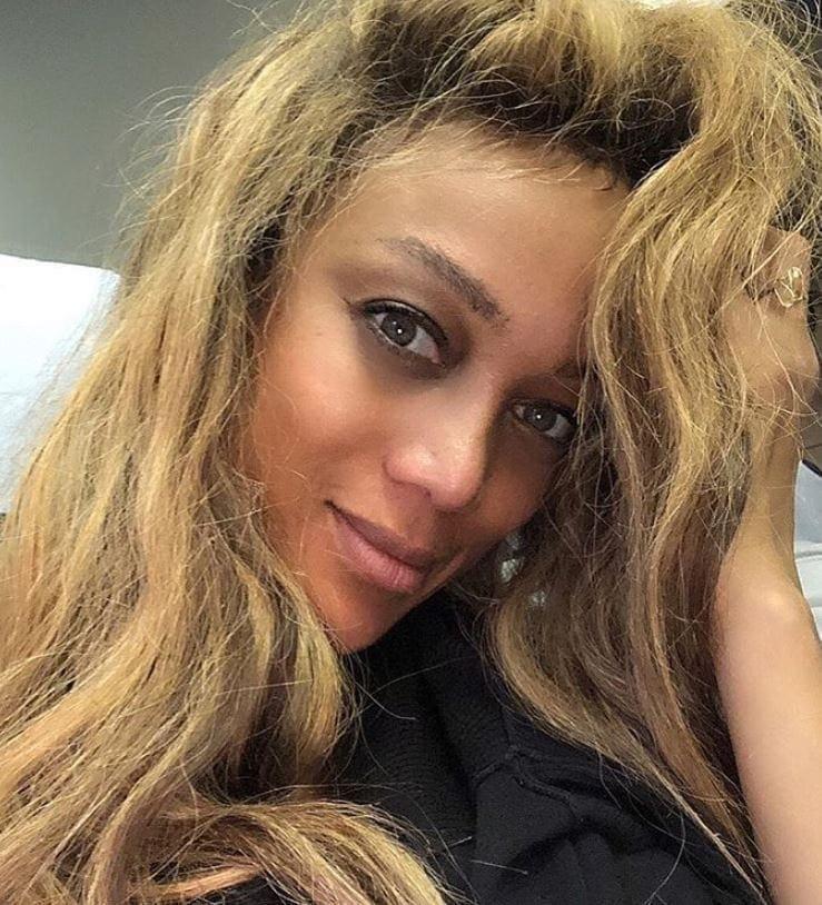<p>Aber auch ohne Make-up kann sie sich sehen lassen. Hübsch gebräunt und natürlich schön postet sie dieses No-Make-up-Selfie auf Instagram und verspricht