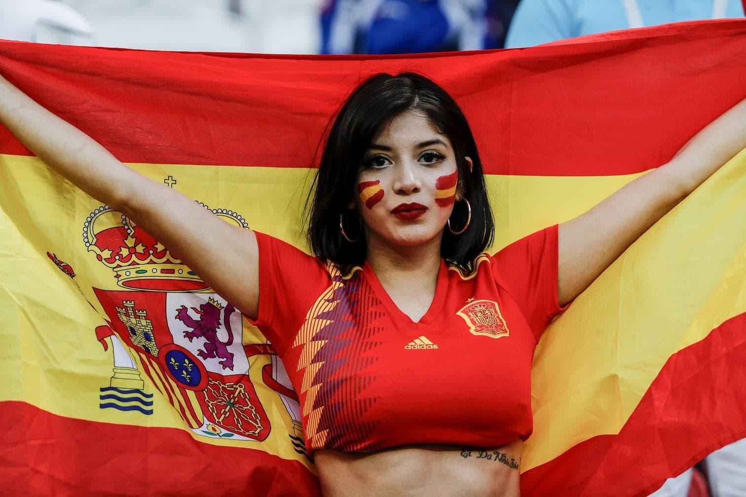 Jekaretinburg oder einem der sonstigen Austragungsorte: Wir zeigen Ihnen die schönsten weiblichen Fans beim Turnier in Russland.</p> Foto: dpa