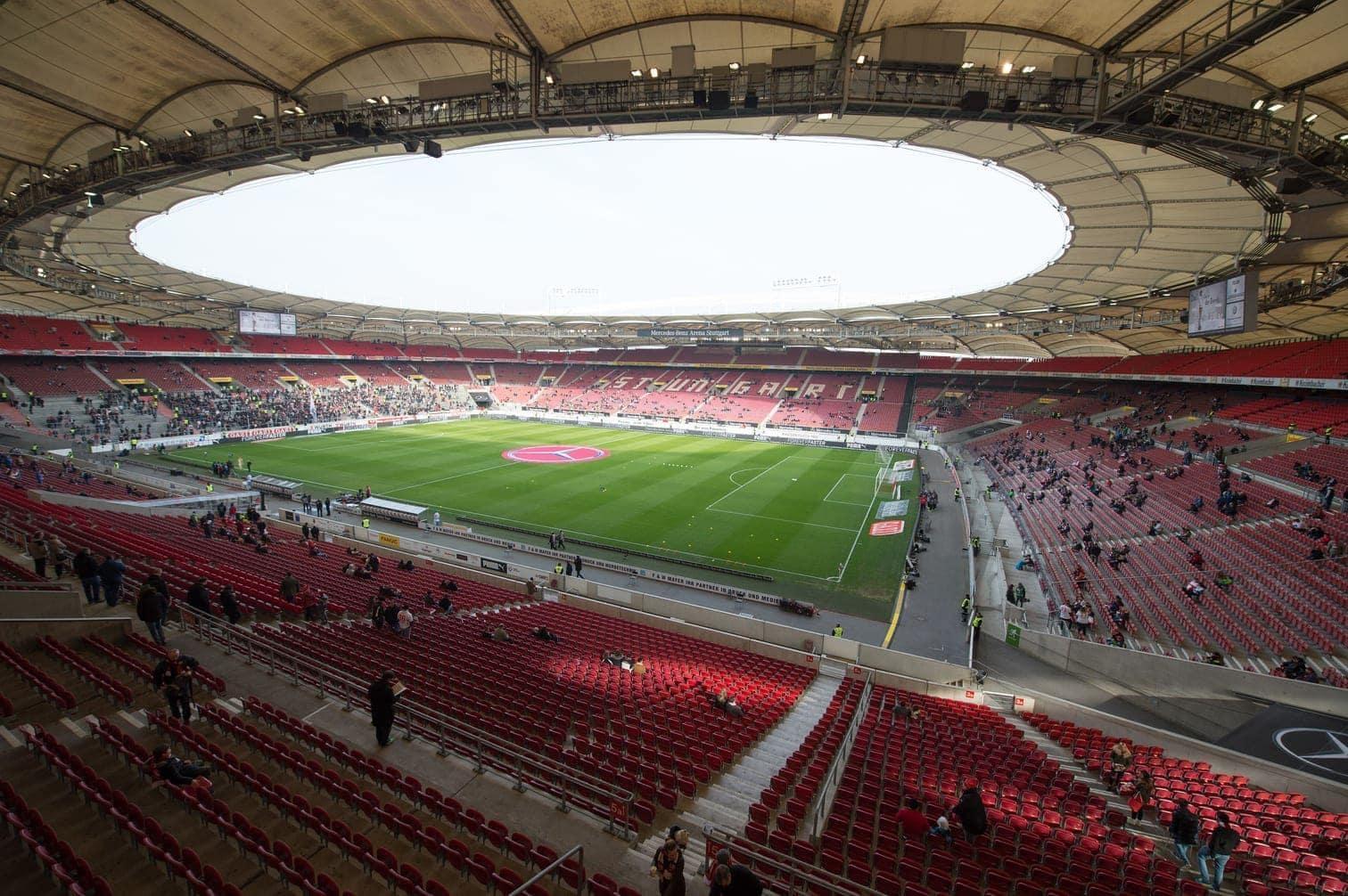 Hamburg Arena<br />Kapazität: 50.215 Zuschauer<br />5 Spiele</p> Foto: dpa/Christian Charisius