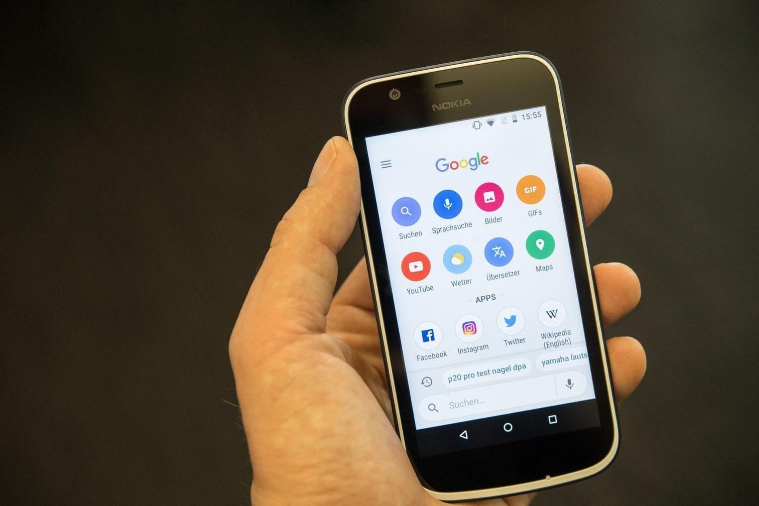 <p>Sparprogramm: Statt der vollwertigen Google-App gibt es mit Android Go eine deutlich abgespeckte Version.</p> Foto: dpa
