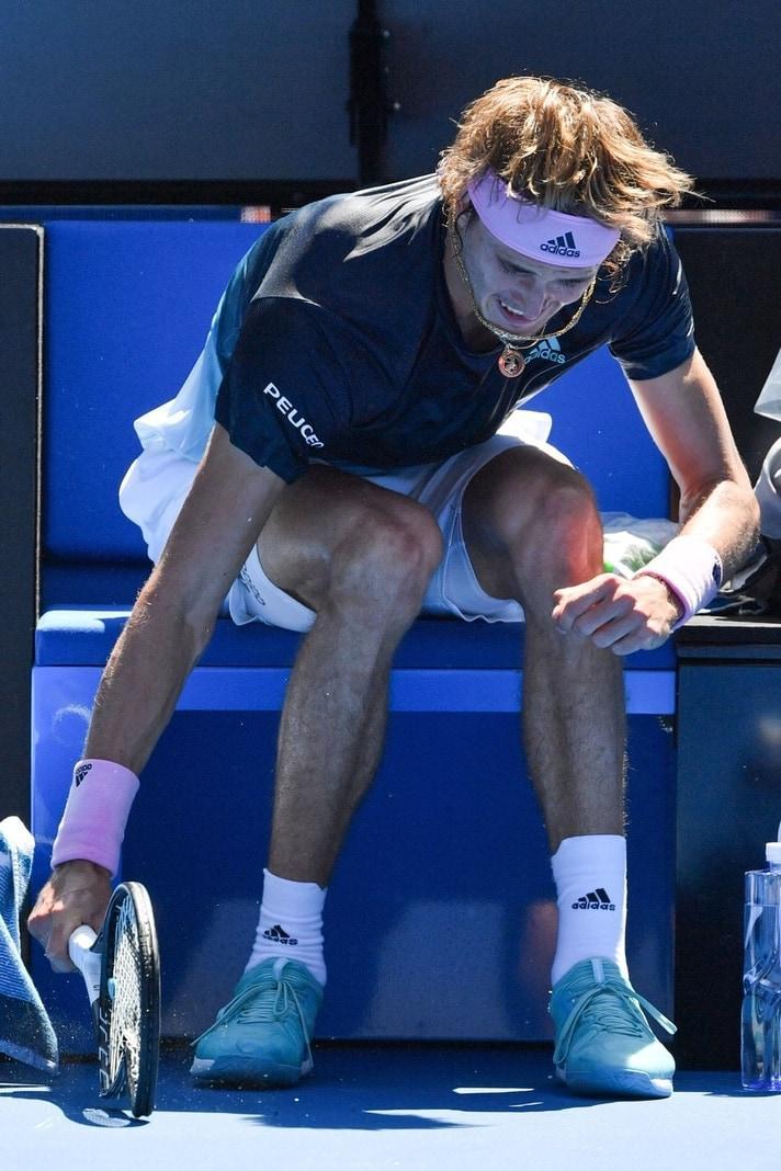 <p>Warum sein Schützling am Montag gegen den einstigen Wimbledonfinalisten Raonic zu spät aufwachte