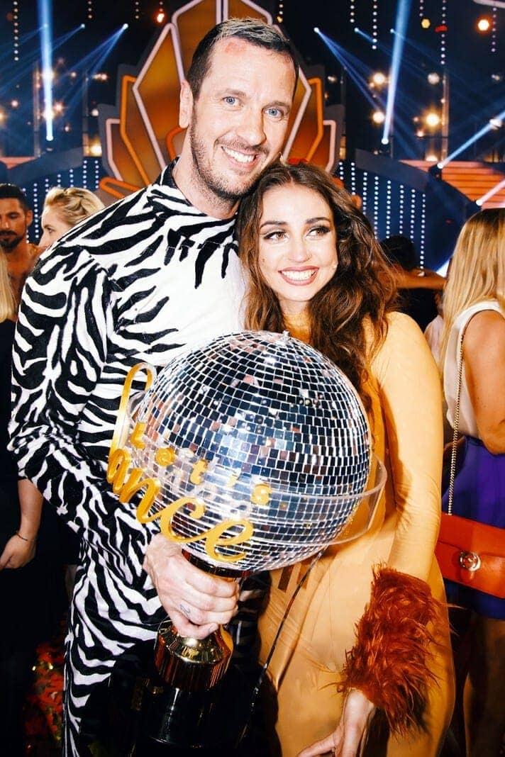"""Beide tanzten dabei zu """"Valio La Pena"""" von Marc Anthony. Foto: TVNOW / Stefan Gregorowius"""