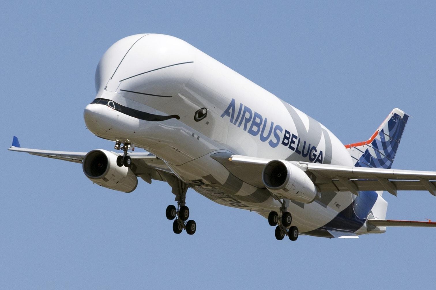 <p>Mit seinem neuen Frachtflugzeug Beluga XL will der europäische Flugzeugbauer Airbus künftig leichter Rumpfteile und Tragflächen zwischen seinen Produktionsstandorten hin- und herbewegen.</p> Foto: dpa