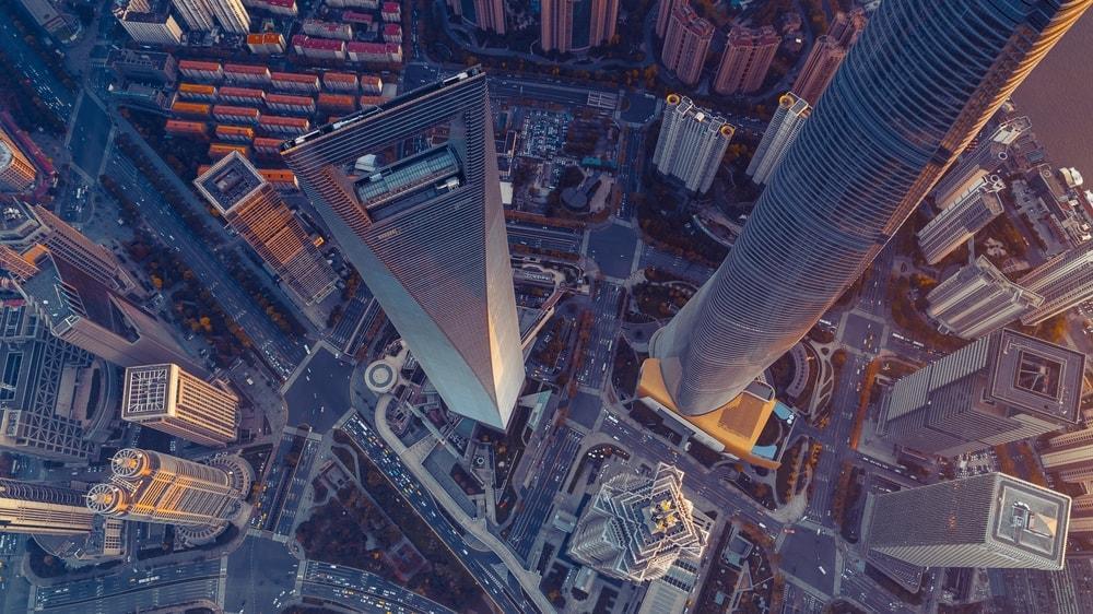 <p>Die schnellsten Aufzüge der Welt sind nicht immer automatisch auch in den höchsten Gebäuden der Welt. In unserer Bildergalerie stellen wir die Top 10 vor.</p> Foto: zhusijia1011 / Shutterstock.com