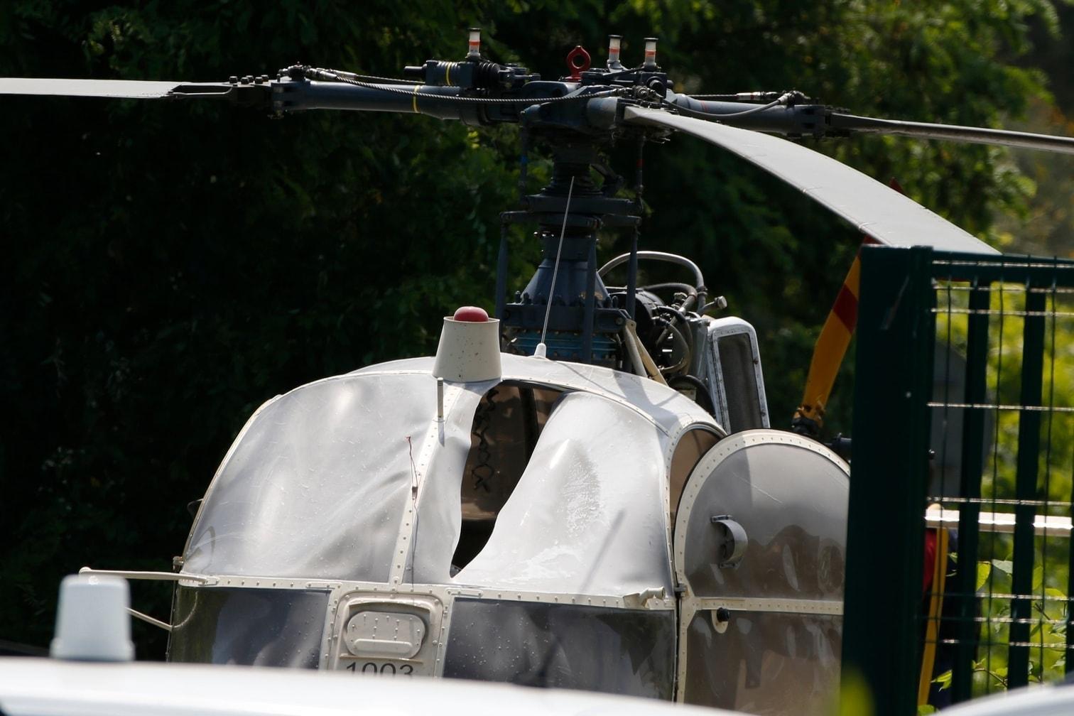 <p>Beamte der Spurensicherung untersuchten den Helikopter