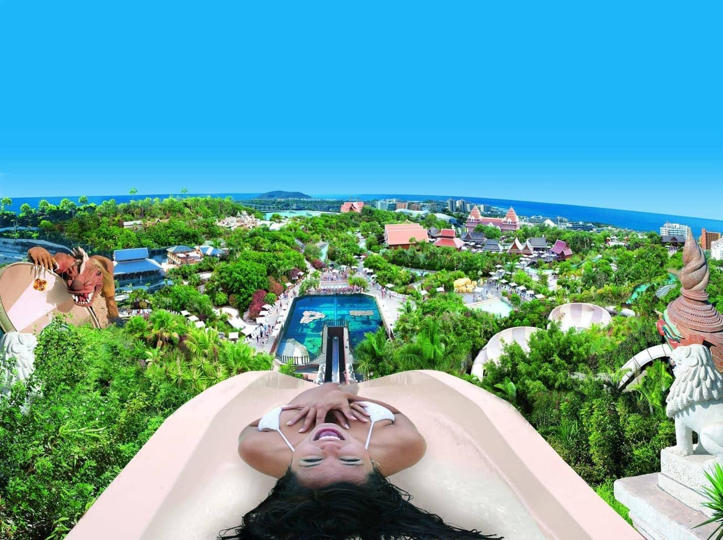 <p>Der vierte Platz geht an den italienischen Wasserpark Etnaland. Der Wasserpark auf Sizilien<br />bietet 23 verschiedene Rutschen und ist liebevoll thematisiert.</p> Foto: travelcircus