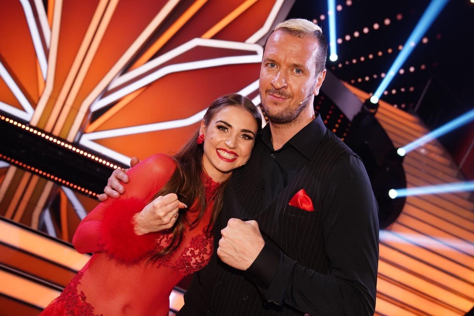 <p>Ex-Handballprofi Pascal Hens tanzt mit Ekaterina Leonova.</p> Foto: TVNOW / Gregorowius