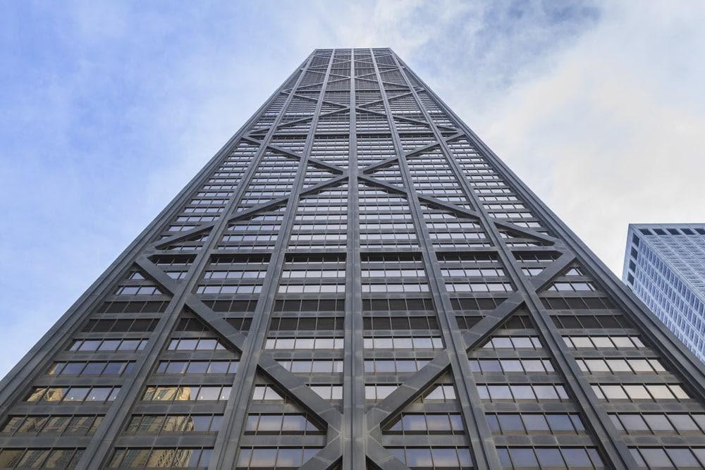 <p><strong>Platz 10</strong>: In den Aufzügen des John Hancock Centers in Chicago geht es mit 9