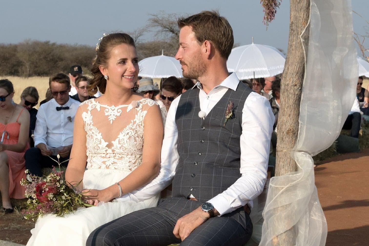 <p>Das Fest eröffnete das Brautpaar mit dem Hochzeitstanz