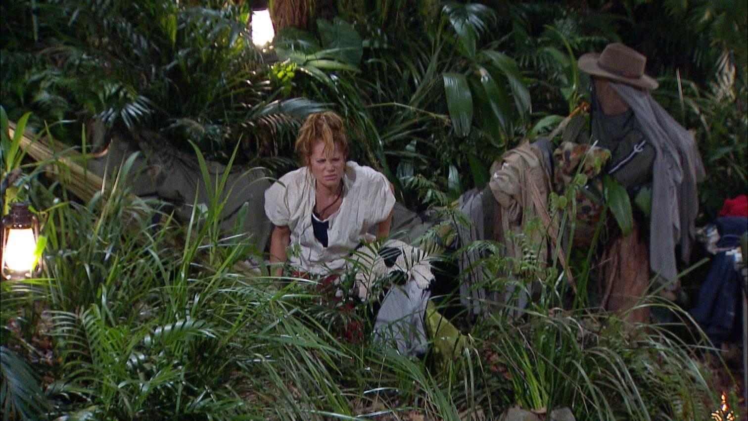 """<p>Tommi über Sibylle: """"Die ist nicht ganz dicht. Ich saß die ganze Zeit. So geht das nicht. Die denunziert mich.""""</p> Foto: MG RTL D"""