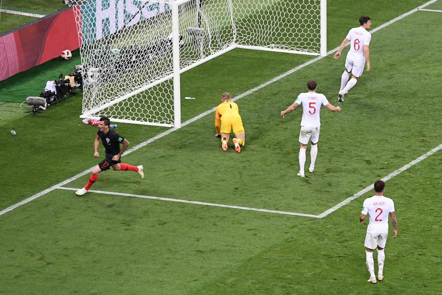 <p>Mandzukic trifft und läuft für den Torjubel zum Spielfeldrand.</p> Foto: AFP