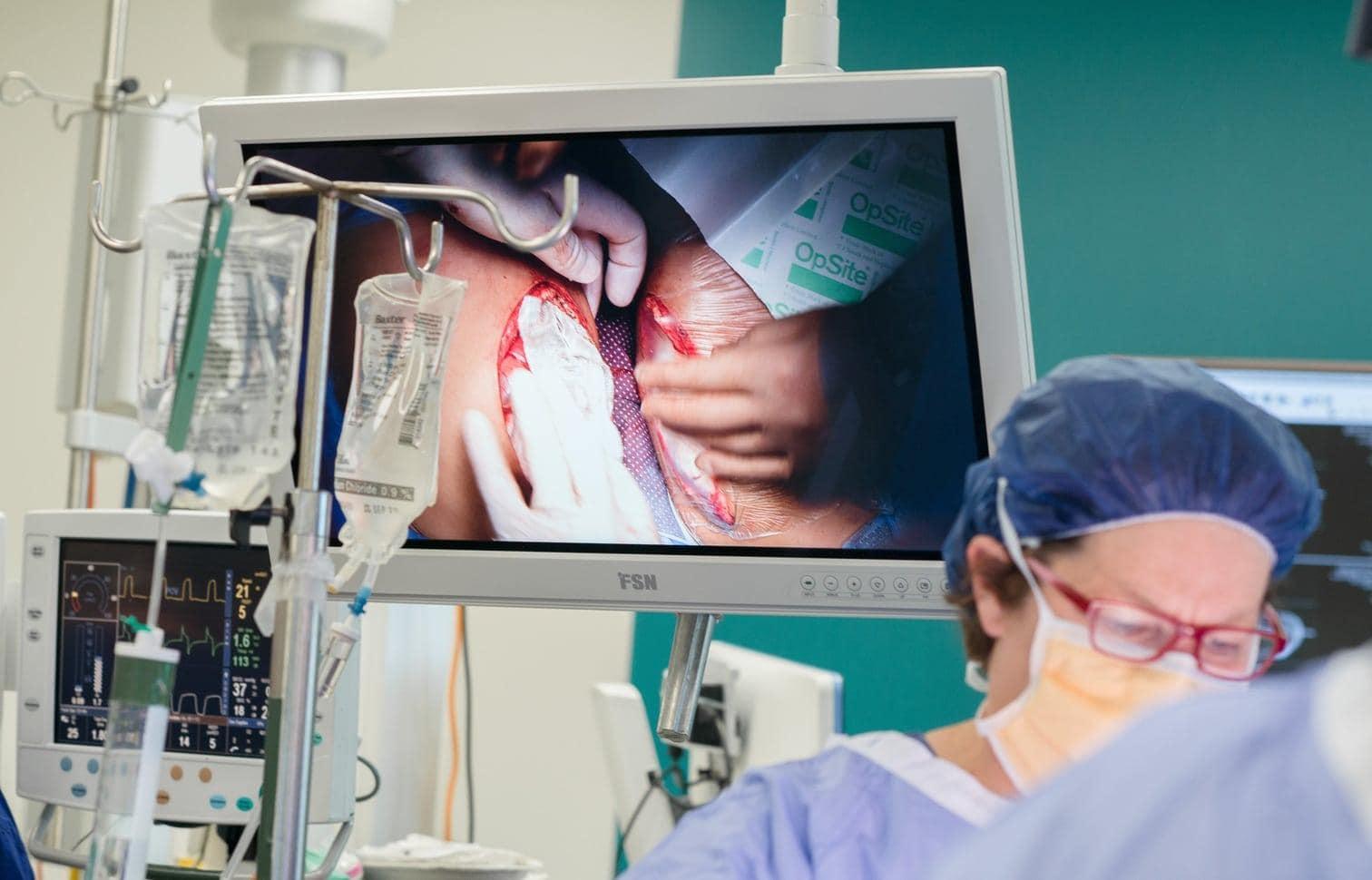 """sind nun erstmals in ihrem Leben auseinander. Nach Angaben der behandelnden Ärzte haben sie den komplizierten Eingriff gut überstanden. Chefarzt Joe Crameri sagte: """"Es ist eine Erleichterung. Und eine Freude auch.""""</p> Foto: dpa"""