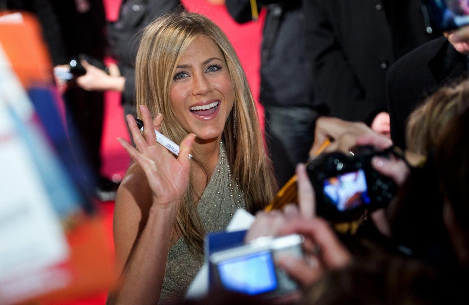 <p>Die dunkelblonde Rachel mauserte sich zur Mode-Ikone - Anistons Frisur wurde als