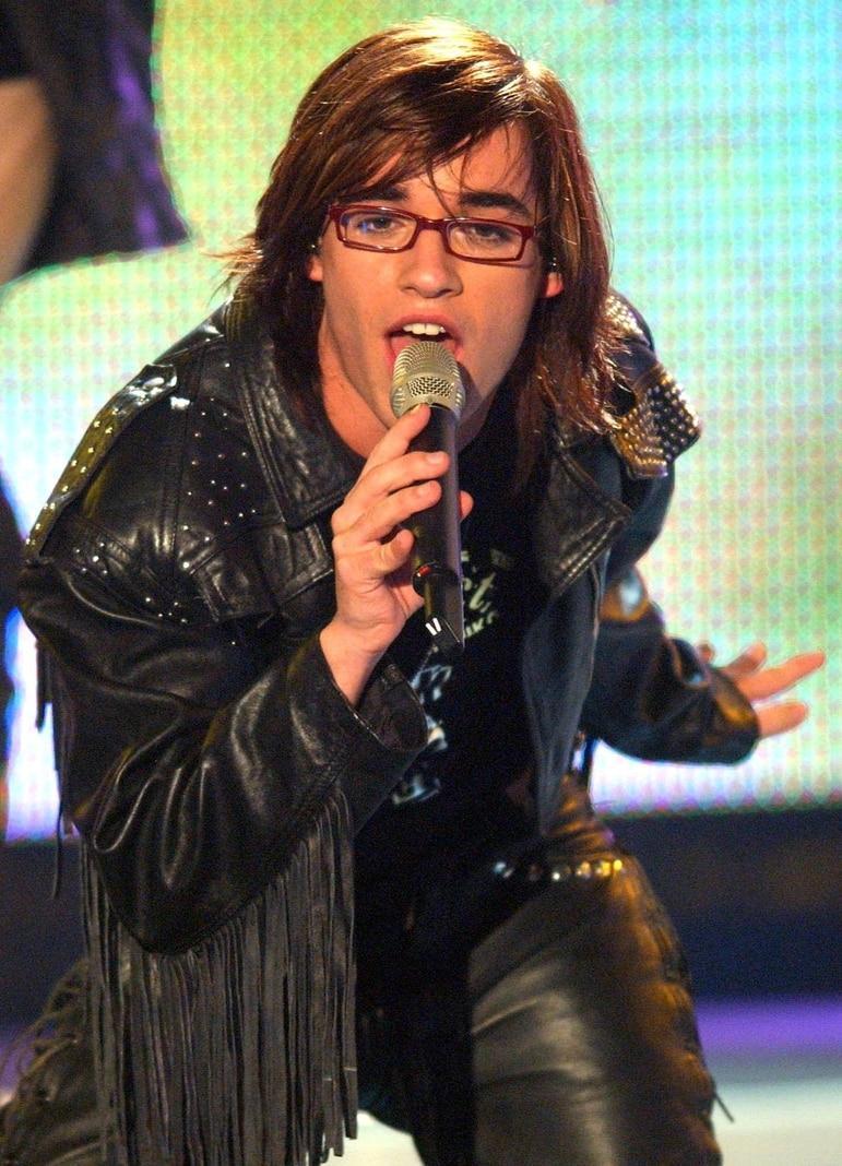 <p>Küblböck wurde durch die Sendung zum TV-Star. Er belegte dort den dritten Platz.</p> Foto: dpa