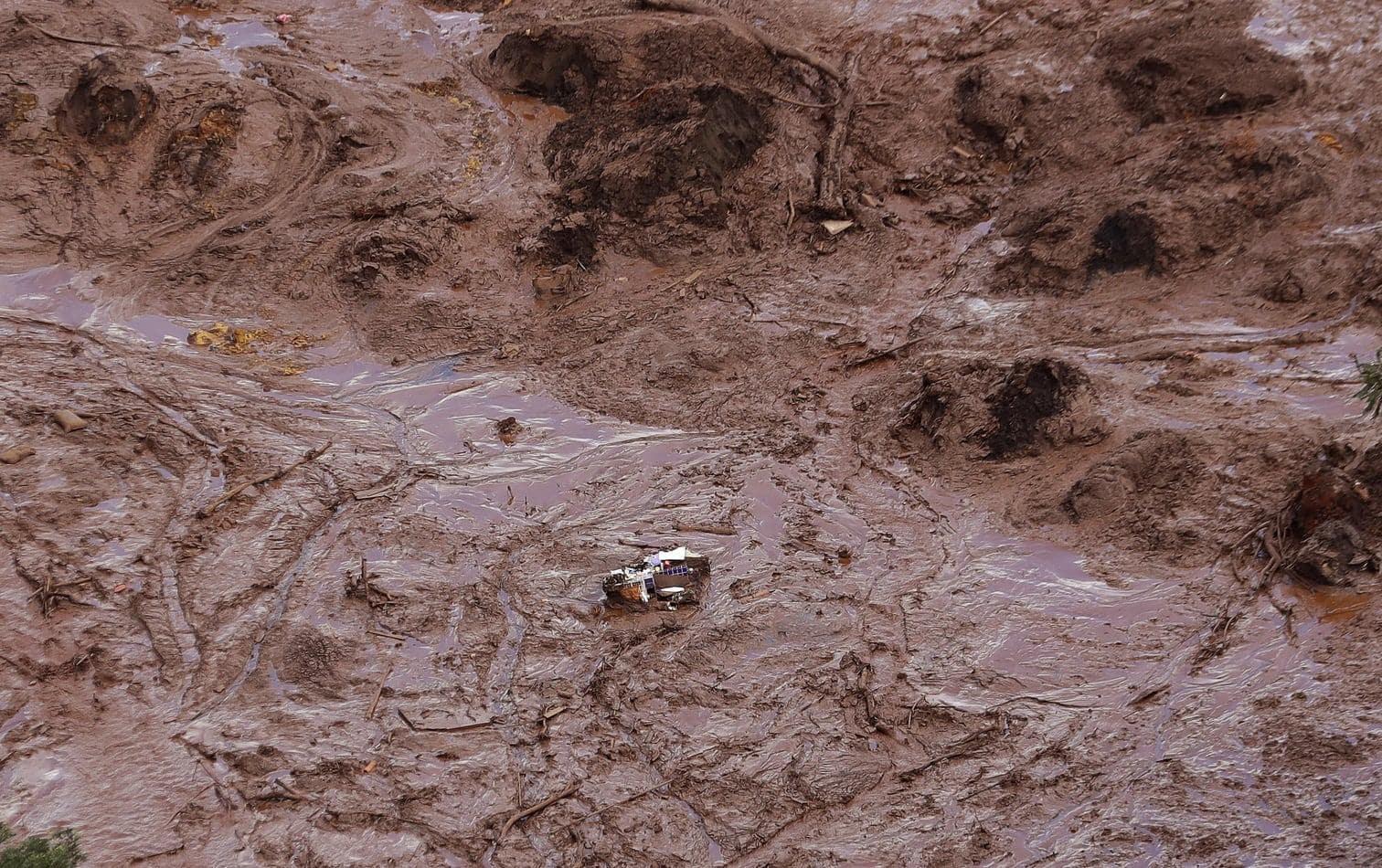 <p>Nach dem Dammbruch und einer anschließenden Schlammlawine im Südosten Brasiliens ist die Zahl der Toten und Vermissten nach Feuerwehrangaben weiter gestiegen.</p> Foto: dpa/Andre Penner