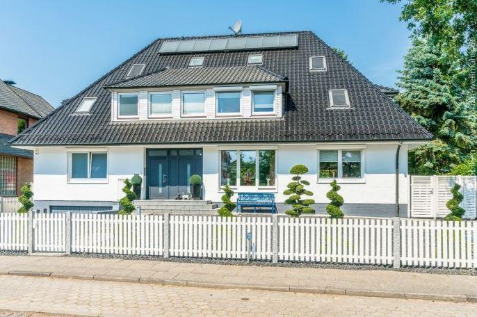 <p>Elf Zimmer hat die Villa verteilt auf knapp 400 Quadratmeter Wohnfläche.</p> Foto: Screenshot Immonet