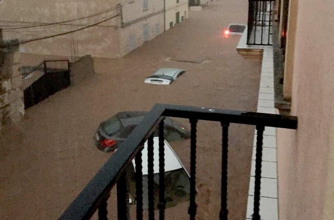 <p>Bei den schweren Unwettern und Überflutungen auf der spanischen Ferieninsel Mallorca sind nach jüngsten Angaben acht Menschen ums Leben gekommen.&nbsp;</p> Foto: Isaac Buj/Europa Press/Europa Press/dpa