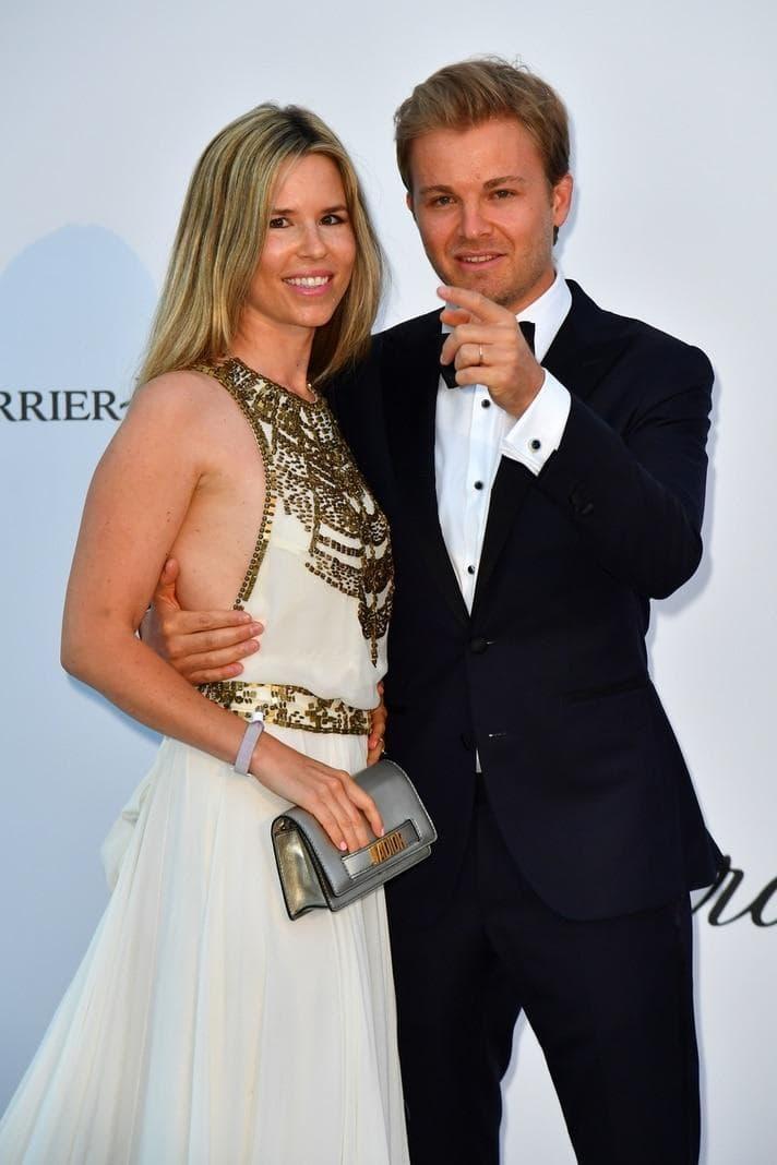 <p>Nico Rosberg mit Ehefrau Vivian Sibold</p> Foto: AFP
