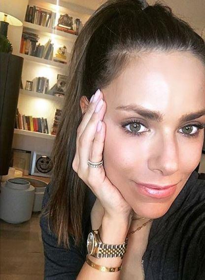 <p>Beim Pay-TV-Sender Sky setzte sie sich 2010 bei einem Casting gegen 2700 Mitbewerber durch.</p> Foto: Instagram/esthersedlaczek