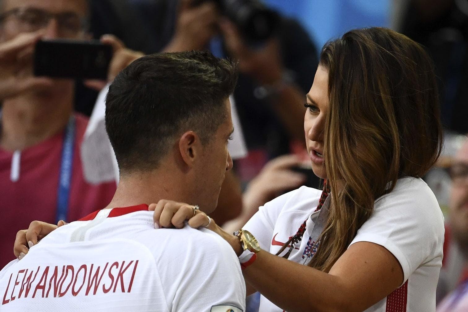 <p>Der Superstar des FC Bayern München brauchte nach dem kapitalen WM-Fehlstart der polnischen Fußball-Nationalmannschaft viel Trost.</p> Foto: afp