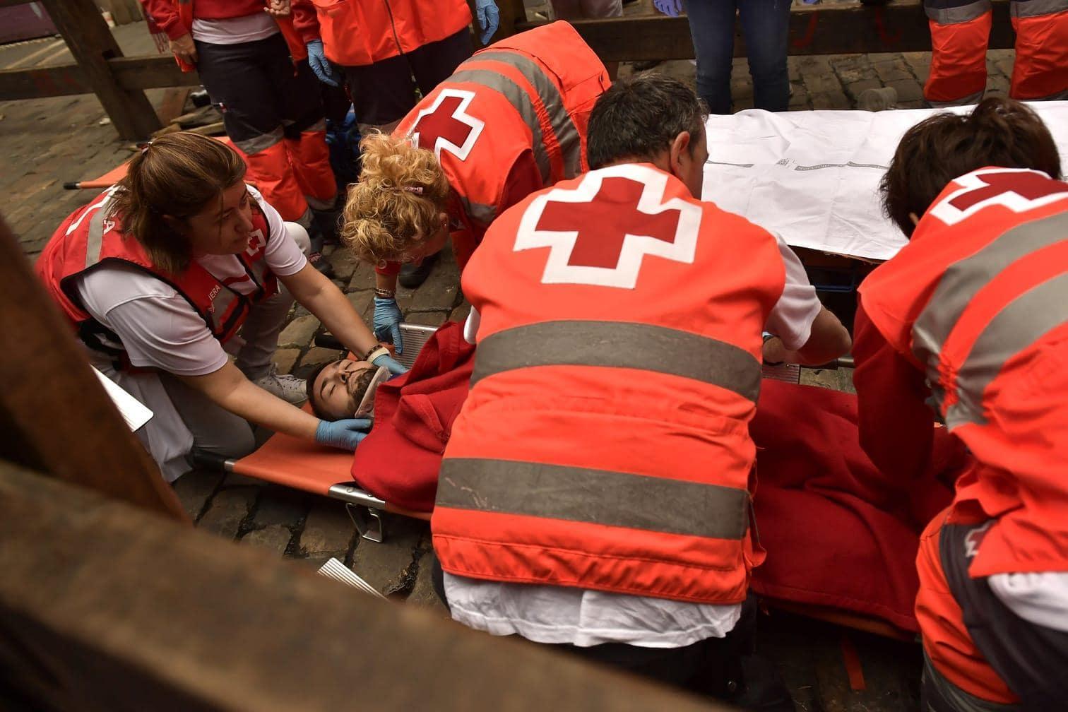 <p>Ein 19 Jahre alter Spanier wurde von einem Bullen an der linken Achselhöhle aufgespießt und kurz mitgezerrt.</p> Foto: dpa