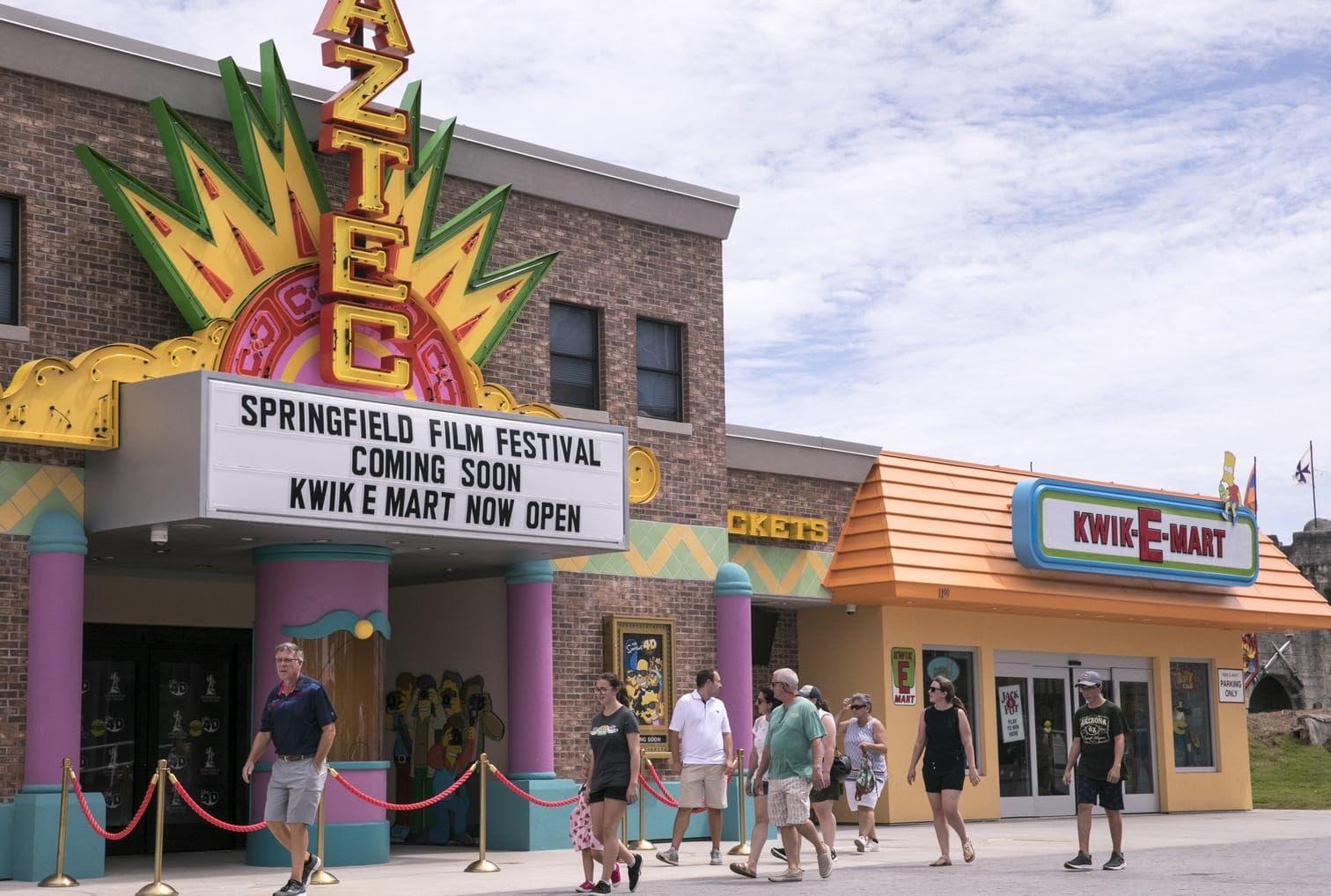 """<p>Einkaufen wie die """"Simpsons""""? In der Stadt Myrtle Beach im Bundesstaat South Carolina können Menschen genau das jetzt tun. Ein Kwik-E-Mart"""