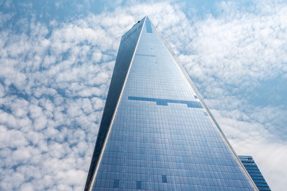 """<p><strong>Platz 9-6</strong>: Mit 828 Metern ist der Burj Khalifa in Dubai das höchste Gebäude der Welt. Die Aufzüge schaffen allerdings """"nur"""" 10 Meter pro Sekunde.</p> Foto: Ilona Ignatova / Shutterstock.com"""